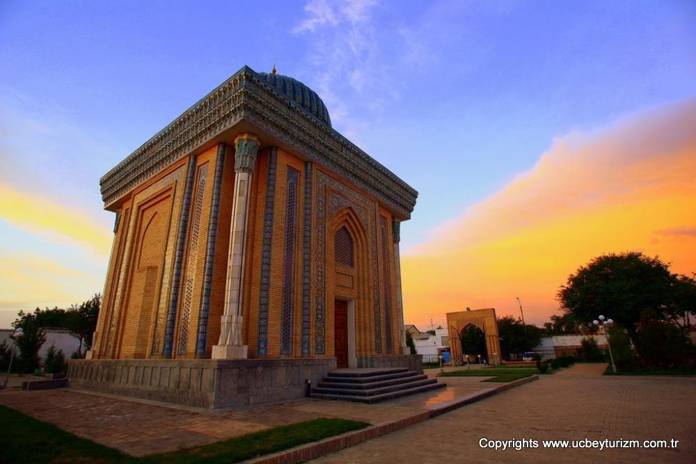 abu-mansur-mosque-in-samarkand-uzbekistan